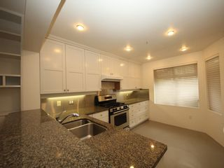 """Photo 7: 5358 LARCH Street in Vancouver: Kerrisdale Townhouse for sale in """"Larchwood"""" (Vancouver West)  : MLS®# R2382346"""