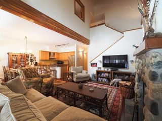 Photo 2: 4614 MONTEBELLO Place in Whistler: Whistler Village Townhouse for sale : MLS®# R2528597