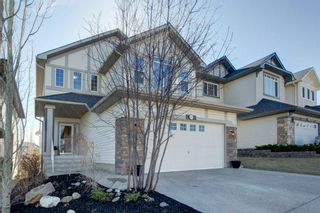 Photo 2: 102 Crestbrook Hill SW in Calgary: Crestmont Detached for sale : MLS®# A1100140