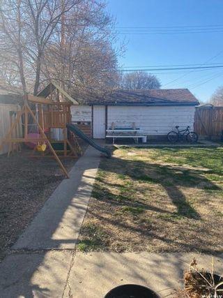 Photo 2: 118 EVANS Street in Saskatoon: Forest Grove Residential for sale : MLS®# SK867532