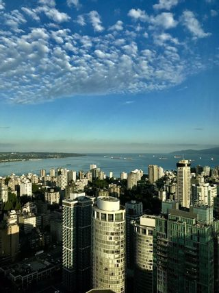 """Photo 14: 5102 1151 W GEORGIA Street in Vancouver: Coal Harbour Condo for sale in """"TRUMP TOWER"""" (Vancouver West)  : MLS®# R2230495"""