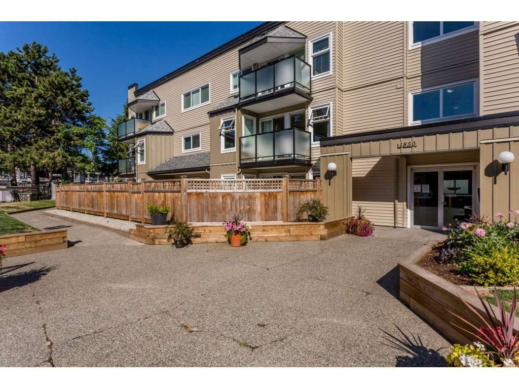"""Main Photo: 101 1850 E SOUTHMERE Crescent in Surrey: Sunnyside Park Surrey Condo for sale in """"SOUTHMERE PLACE"""" (South Surrey White Rock)  : MLS®# R2215228"""