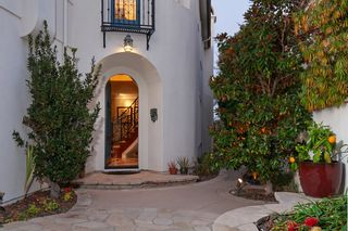 Photo 3: CARMEL VALLEY House for sale : 5 bedrooms : 5574 Valerio Trl in San Diego