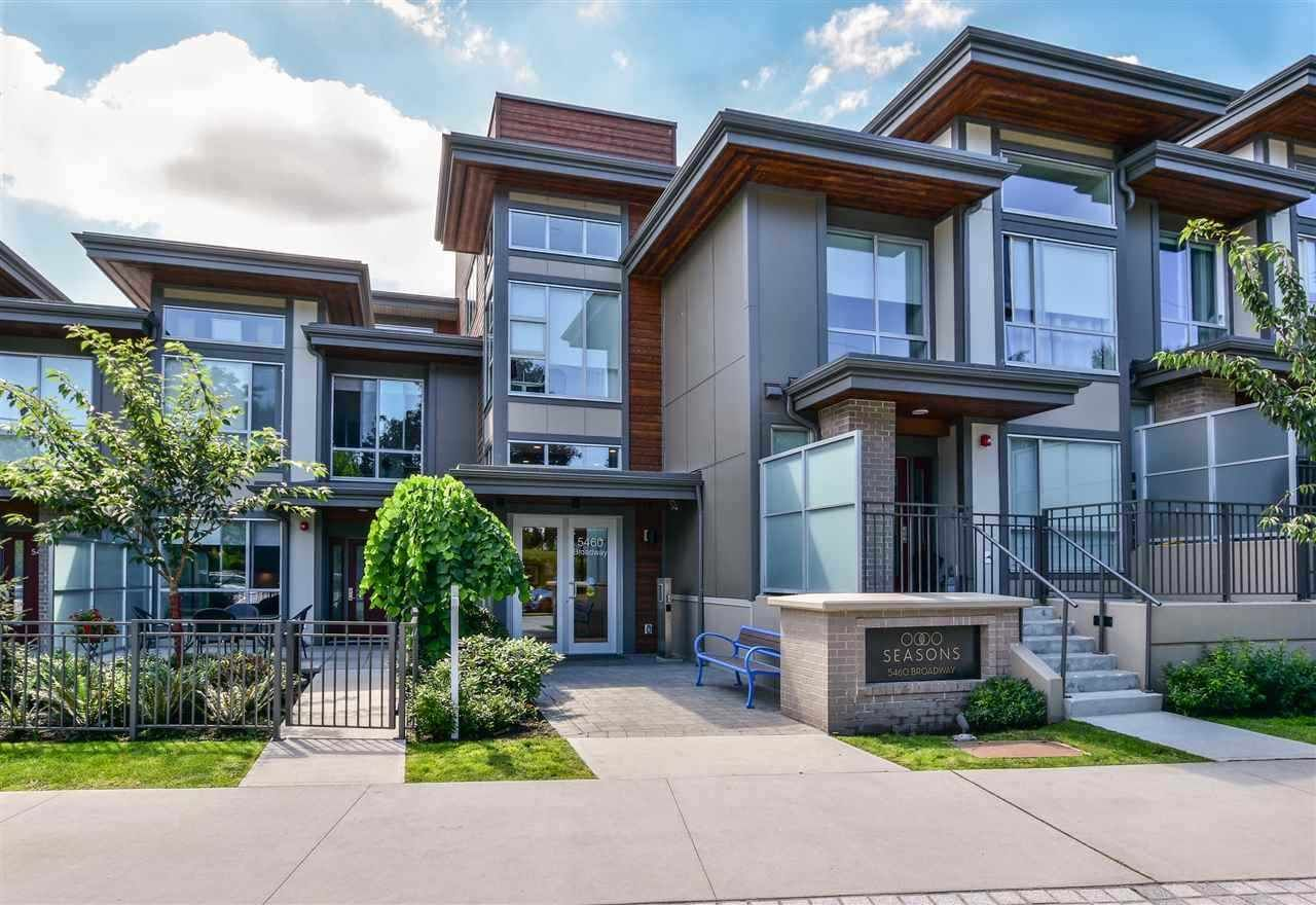 Main Photo: 406 5460 BROADWAY Avenue in Burnaby: Parkcrest Condo for sale (Burnaby North)  : MLS®# R2582737