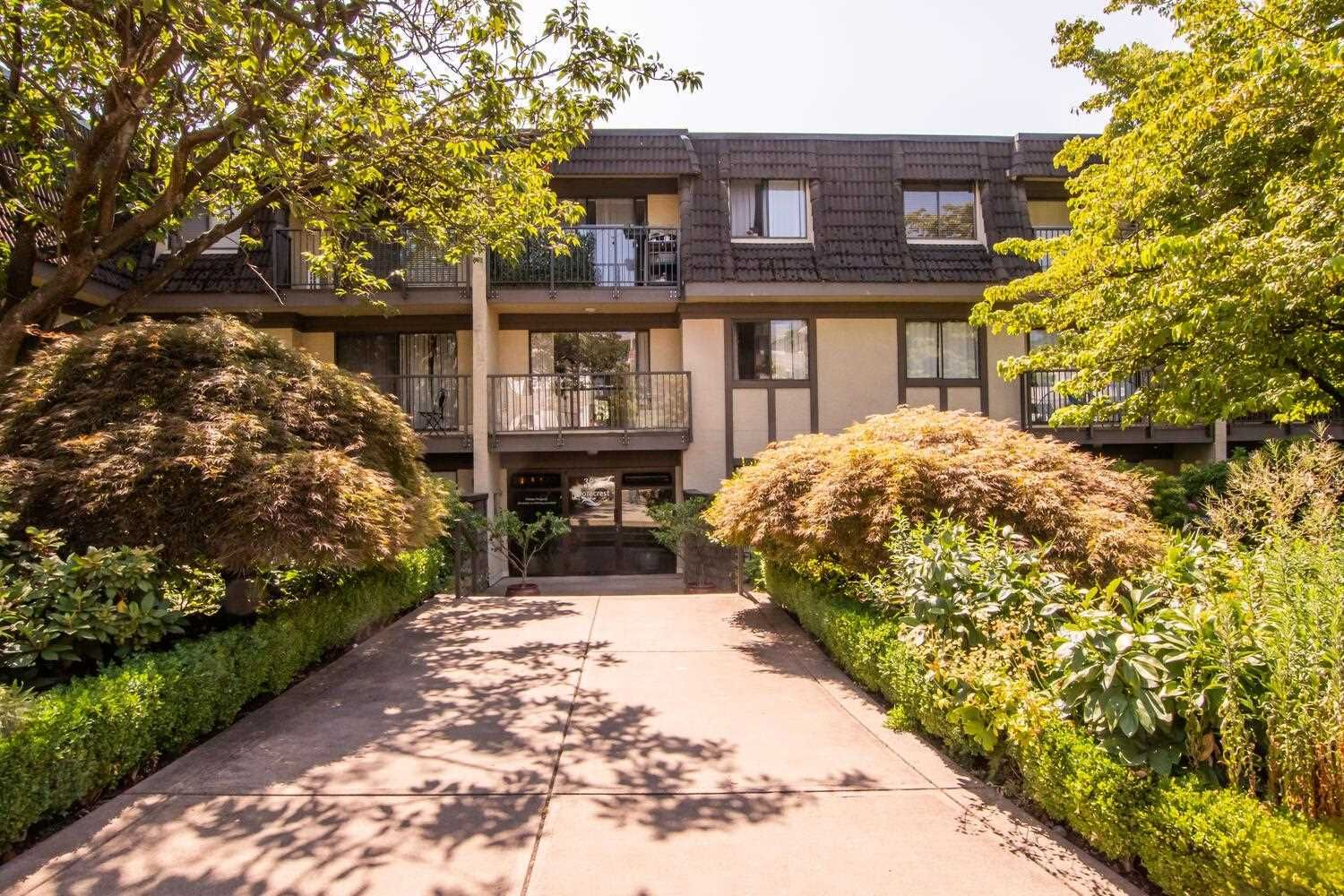"""Main Photo: 105 307 W 2ND Street in North Vancouver: Lower Lonsdale Condo for sale in """"Shorecrest"""" : MLS®# R2605730"""