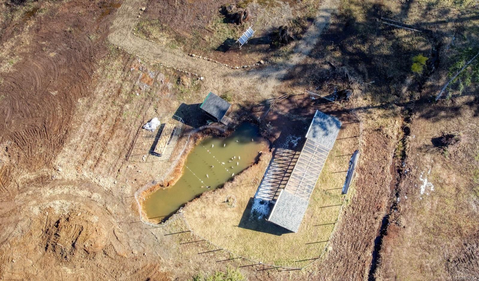 Photo 13: Photos: 2056 Spike Rd in : CV Merville Black Creek House for sale (Comox Valley)  : MLS®# 867054