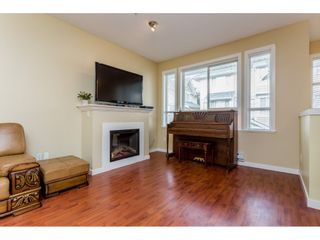 """Photo 2: 26 20159 68 Avenue in Langley: Willoughby Heights Townhouse for sale in """"VANTAGE"""" : MLS®# R2133104"""