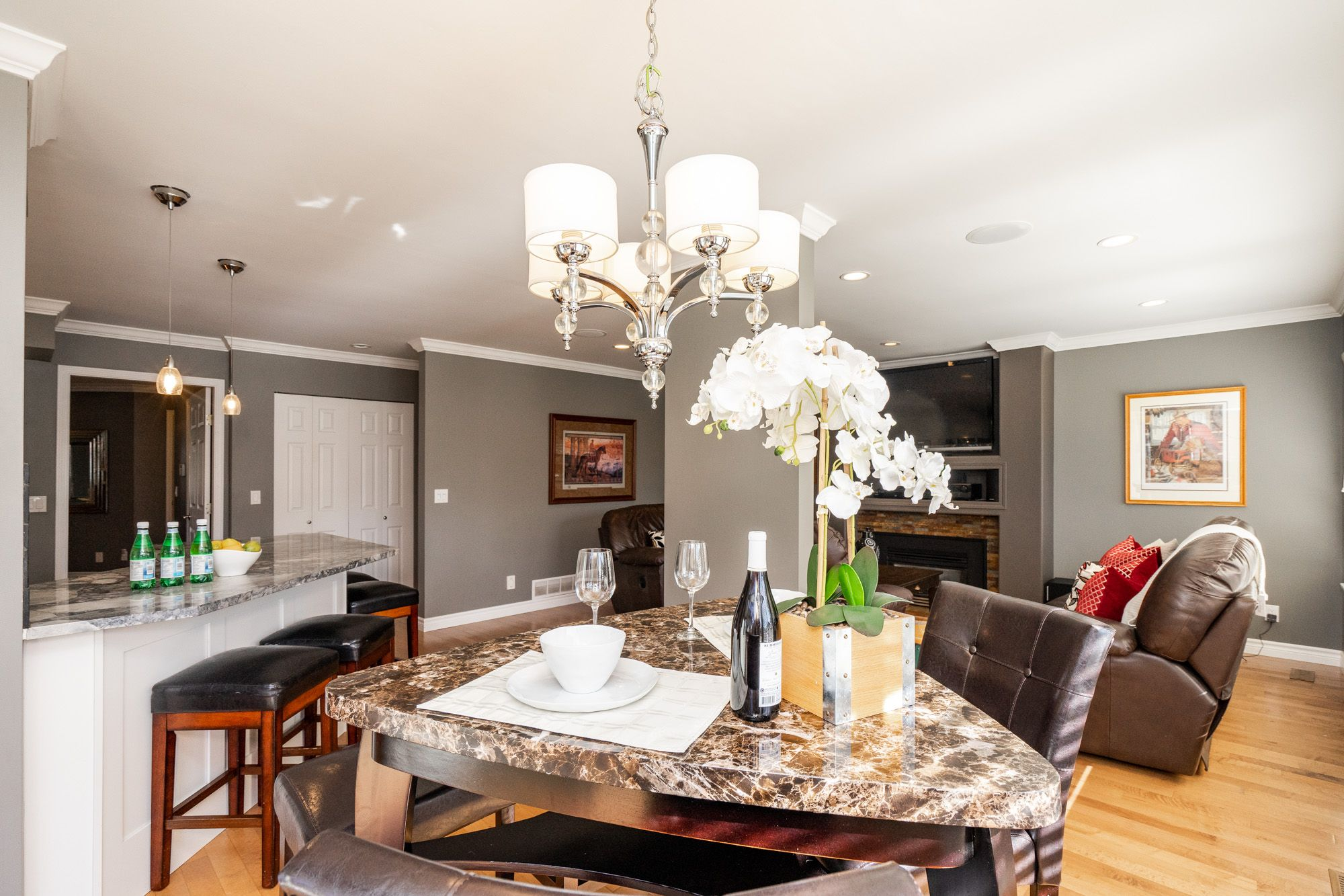 """Photo 10: Photos: 8448 213 Street in Langley: Walnut Grove House for sale in """"Forest Hills"""" : MLS®# R2259409"""