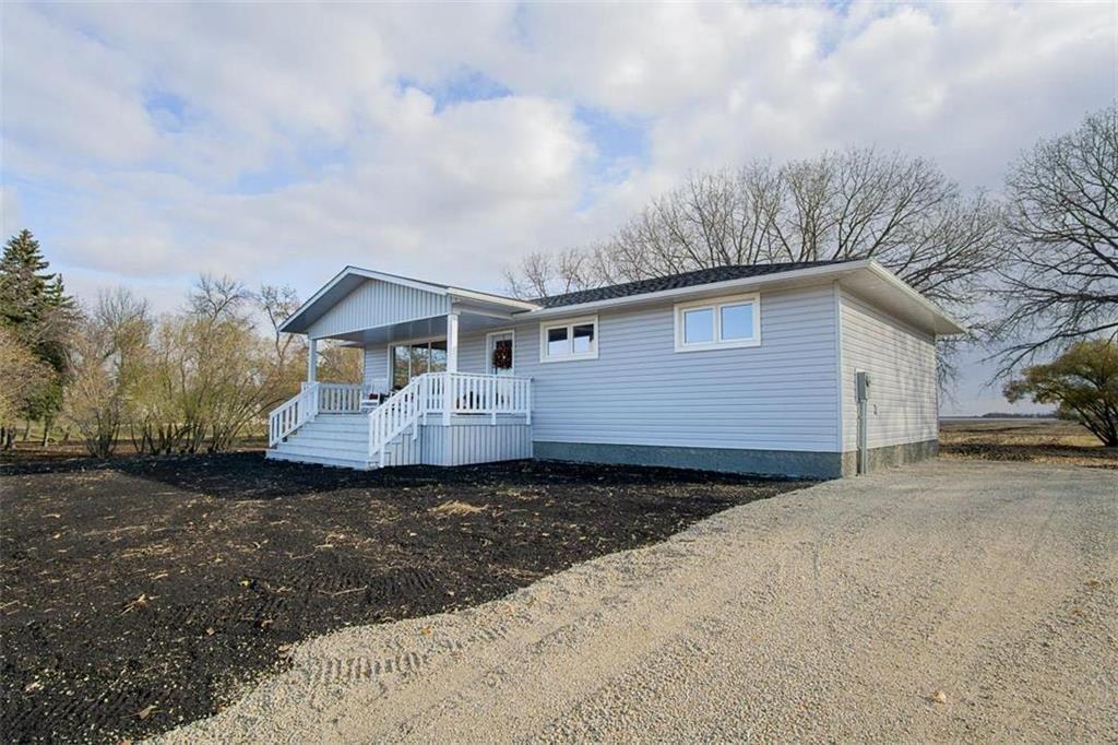 Main Photo: 28079 2 Road East in Rosenort: R17 Residential for sale : MLS®# 202026109