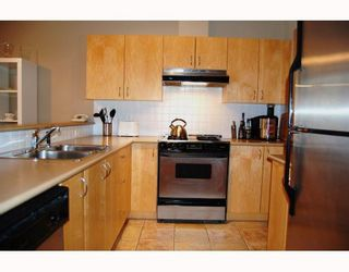 """Photo 4: 103 980 W 22ND Avenue in Vancouver: Cambie Condo for sale in """"SIMON LOFTS"""" (Vancouver West)  : MLS®# V785573"""