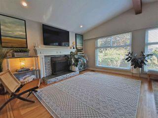 "Photo 2: 11812 64 Avenue in Delta: Sunshine Hills Woods House for sale in ""Sunshine Hills"" (N. Delta)  : MLS®# R2591461"