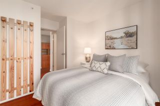 "Photo 14: 2607 1331 W GEORGIA Street in Vancouver: Coal Harbour Condo for sale in ""The Pointe"" (Vancouver West)  : MLS®# R2567011"
