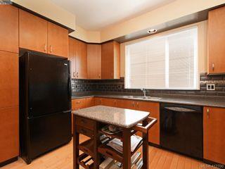 Photo 11: 13 60 Dallas Rd in VICTORIA: Vi James Bay Row/Townhouse for sale (Victoria)  : MLS®# 818335