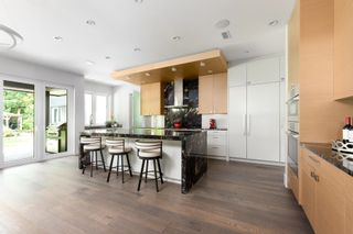 Photo 5: 3850 HILLCREST Avenue in North Vancouver: Edgemont House for sale : MLS®# R2621492
