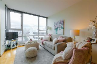 Photo 3: 906 1030 W BROADWAY in Vancouver: Fairview VW Condo for sale (Vancouver West)  : MLS®# R2353231