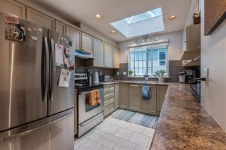 Photo 4: 161 E 4TH Street in North Vancouver: Lower Lonsdale Townhouse for sale : MLS®# R2587641