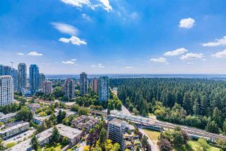 """Photo 5: 3906 5883 BARKER Avenue in Burnaby: Metrotown Condo for sale in """"ALDYNE ON THE PARK"""" (Burnaby South)  : MLS®# R2579935"""