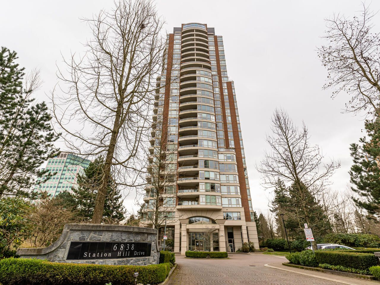 Main Photo: 1804 6838 STATION HILL DRIVE in Burnaby: South Slope Condo for sale (Burnaby South)  : MLS®# R2544258