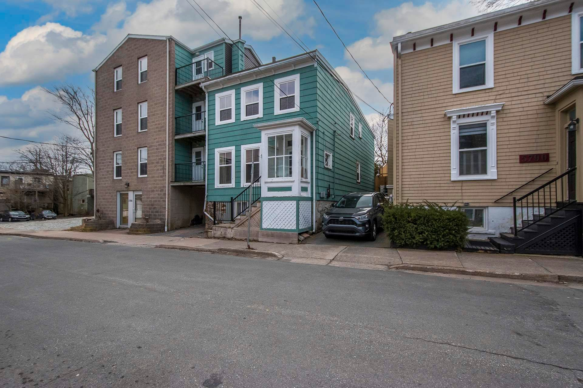 Main Photo: 5784-5786 Tower Terrace in Halifax: 2-Halifax South Multi-Family for sale (Halifax-Dartmouth)  : MLS®# 202108734