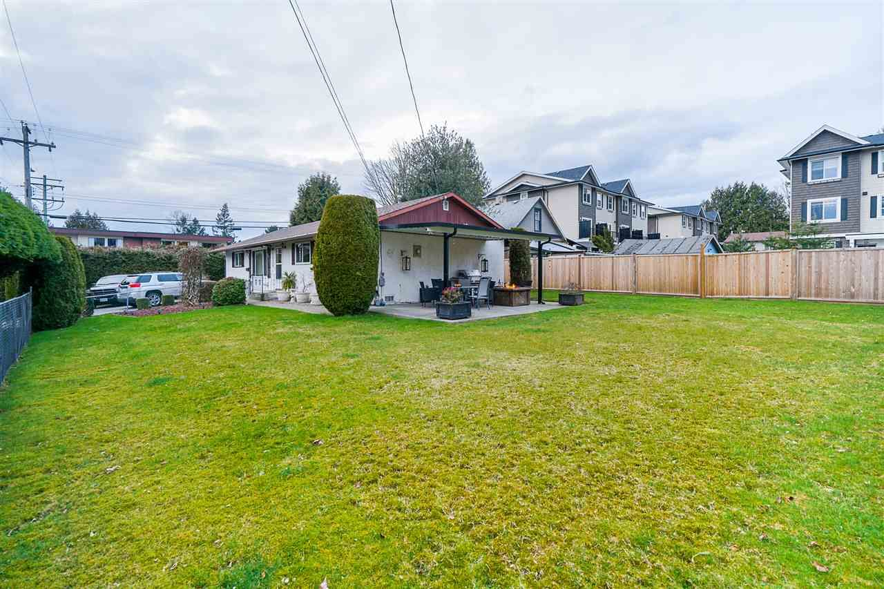 Main Photo: 1926 SALTON Road in Abbotsford: Central Abbotsford House for sale : MLS®# R2546671