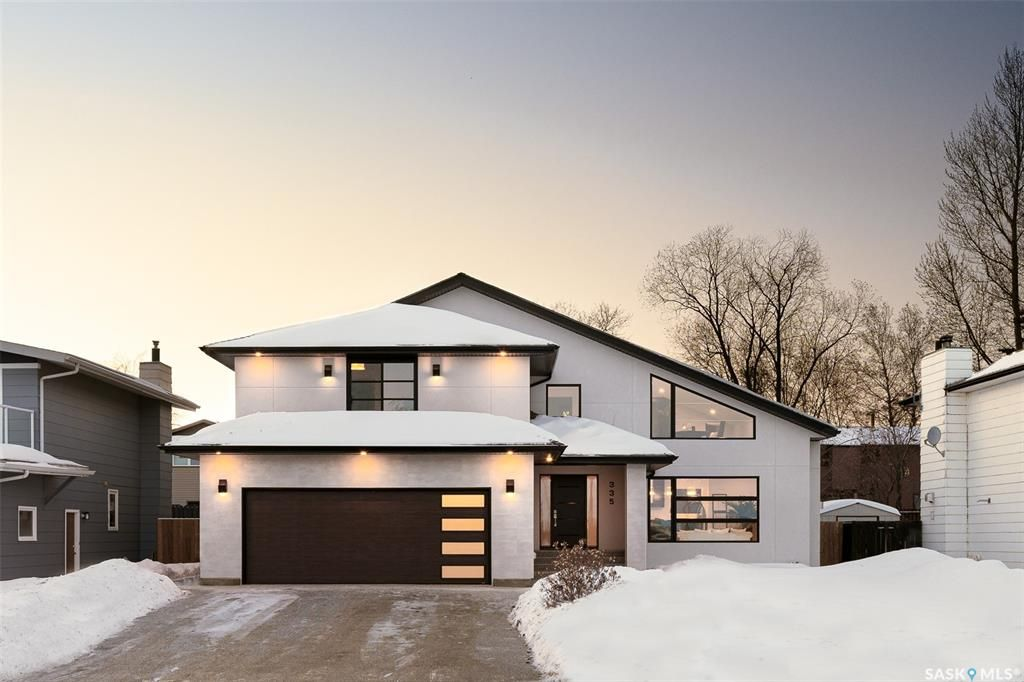 Main Photo: 335 Whiteswan Drive in Saskatoon: Lawson Heights Residential for sale : MLS®# SK840898