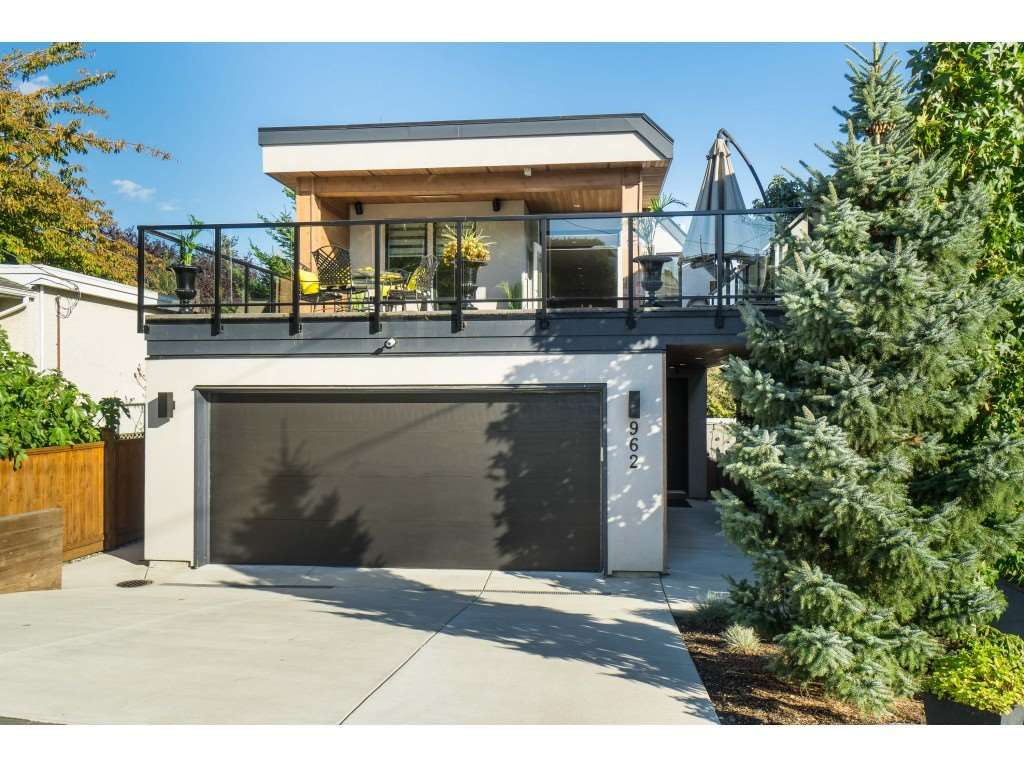 Main Photo: 962 FINLAY Street: White Rock House for sale (South Surrey White Rock)  : MLS®# R2511125