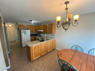 Photo 4: 9403 175 Street in Edmonton: Zone 20 House for sale : MLS®# E4244529