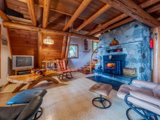 Photo 5: 8484 REDROOFFS Road in Halfmoon Bay: Halfmn Bay Secret Cv Redroofs House for sale (Sunshine Coast)  : MLS®# R2545137