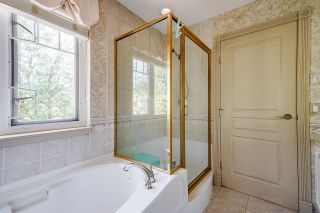 """Photo 27: 4 3405 PLATEAU Boulevard in Coquitlam: Westwood Plateau Townhouse for sale in """"Pinnacle Ridge"""" : MLS®# R2603190"""