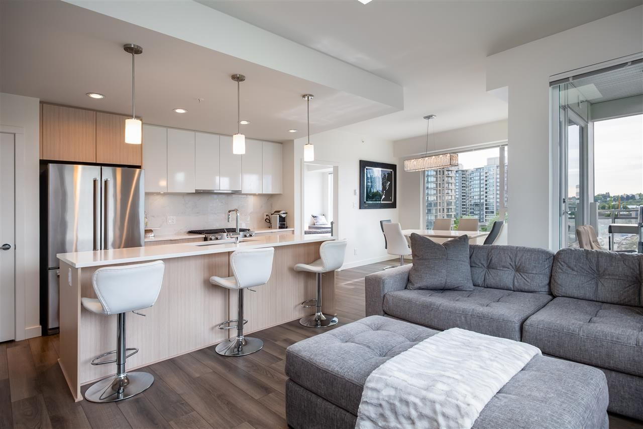 Photo 1: Photos: 602 2188 MADISON AVENUE in Burnaby: Brentwood Park Condo for sale (Burnaby North)  : MLS®# R2467995