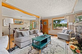 Photo 2: 2937 Cameron Street in Regina: Lakeview RG Residential for sale : MLS®# SK865351