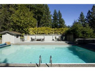 """Photo 10: 4640 WOODBURN RD in West Vancouver: Cypress Park Estates House for sale in """"CYPRESS PARK ESTATES"""" : MLS®# V936602"""