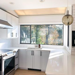 Photo 9: 450 MOUNTAIN Drive: Lions Bay House for sale (West Vancouver)  : MLS®# R2586968