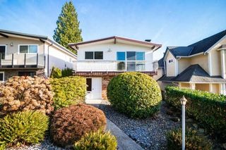 Photo 2: 2720 EASTERN Avenue in North Vancouver: Upper Lonsdale House for sale : MLS®# R2423879