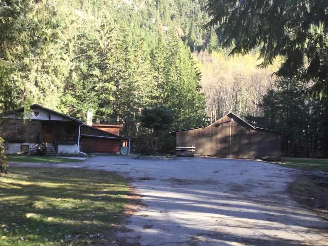Main Photo: 3049 MACKENZIE Highway in Bella Coola: Bella Coola/Hagensborg House for sale (Williams Lake (Zone 27))  : MLS®# R2447357