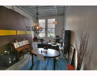 """Photo 4: 201 1220 E PENDER Street in Vancouver: Mount Pleasant VE Condo for sale in """"The Workshop"""" (Vancouver East)  : MLS®# V768292"""