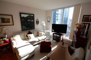 "Photo 6: 1906 1166 MELVILLE Street in Vancouver: Coal Harbour Condo for sale in ""COAL HARBOUR ORCA PLACE"" (Vancouver West)  : MLS®# R2003587"
