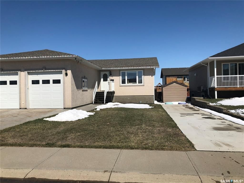 Main Photo: 6 Carrington Drive in Moose Jaw: Westmount/Elsom Residential for sale : MLS®# SK850516