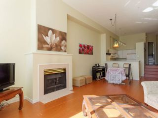 Photo 4: 2 3586 SE MARINE DRIVE in Vancouver East: Champlain Heights Condo for sale ()  : MLS®# R2049515