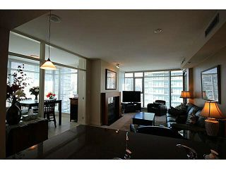 """Photo 7: 1002 1680 BAYSHORE Drive in Vancouver: Coal Harbour Condo for sale in """"BAYSHORE TOWER"""" (Vancouver West)  : MLS®# V1111737"""