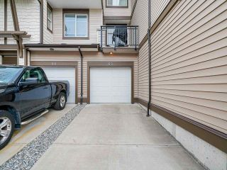 """Photo 15: 89 19433 68 Avenue in Surrey: Clayton Townhouse for sale in """"THE GROVE"""" (Cloverdale)  : MLS®# R2454192"""