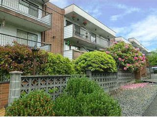 "Photo 12: 221 2033 TRIUMPH Street in Vancouver: Hastings Condo for sale in ""MACKENZIE HOUSE"" (Vancouver East)  : MLS®# R2093555"