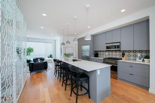 Photo 10: 5404 21 Street SW in Calgary: North Glenmore Park Row/Townhouse for sale : MLS®# A1127304