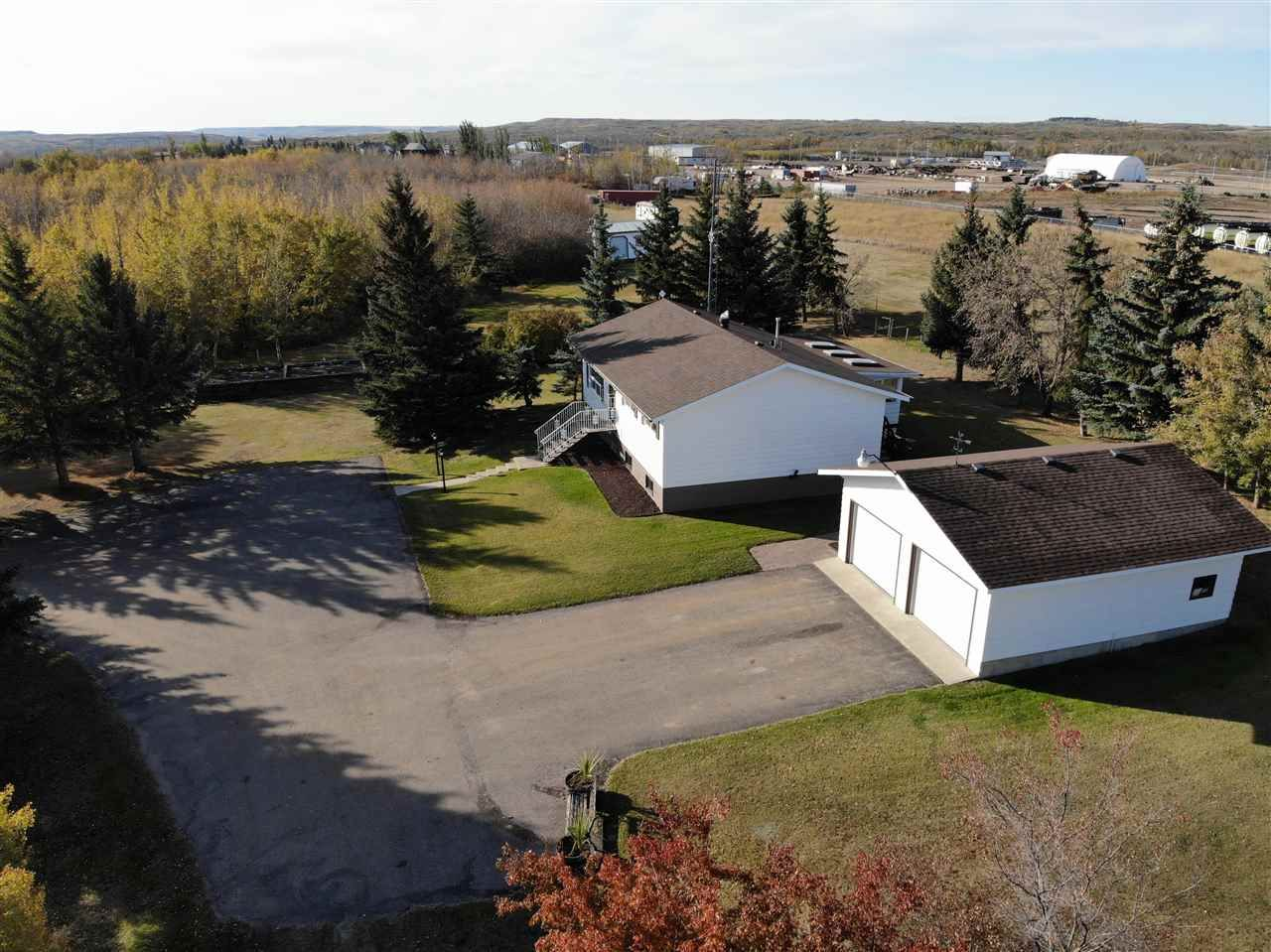 Main Photo: 4426 47 Street: Hardisty House for sale : MLS®# E4210191