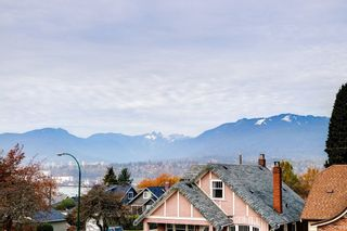 Photo 12: 3516 DUNDAS Street in Vancouver: Hastings East House for sale (Vancouver East)  : MLS®# R2233284