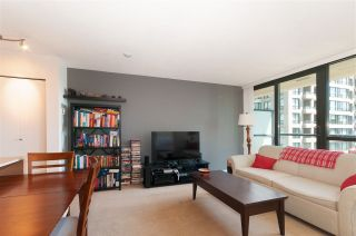 """Photo 5: 2208 928 HOMER Street in Vancouver: Yaletown Condo for sale in """"Yaletown Park"""" (Vancouver West)  : MLS®# R2373790"""