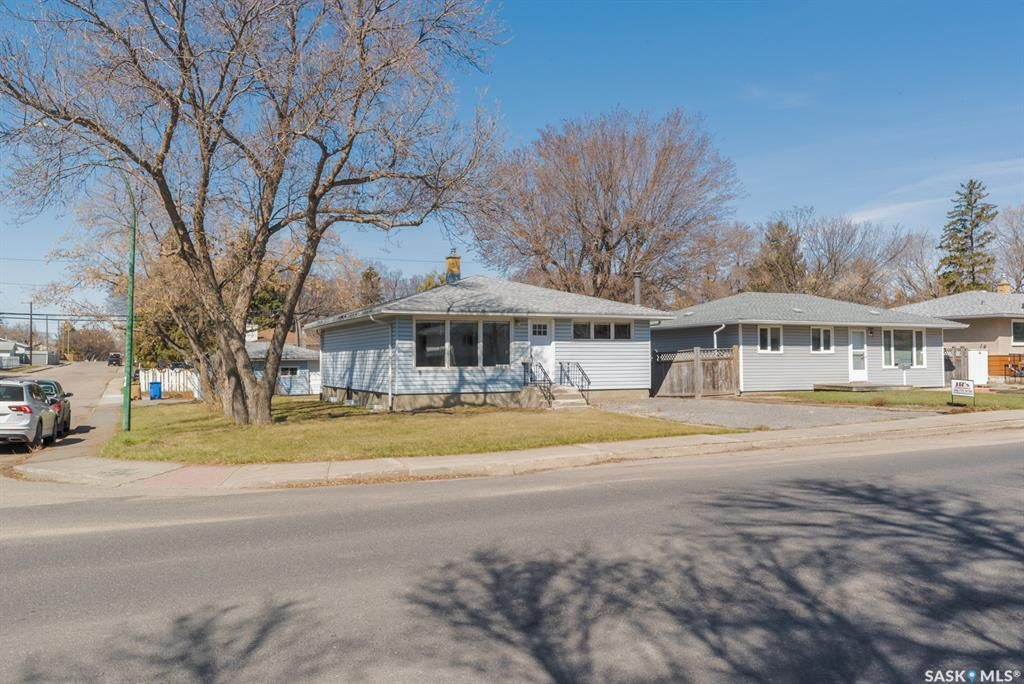Main Photo: 1048 Campbell Street in Regina: Mount Royal RG Residential for sale : MLS®# SK851773
