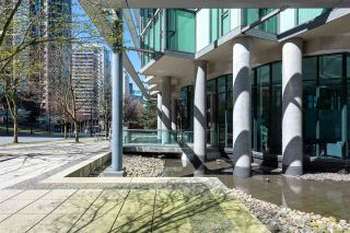 """Photo 2: 2701 1331 W GEORGIA Street in Vancouver: Coal Harbour Condo for sale in """"The Pointe"""" (Vancouver West)  : MLS®# R2571551"""