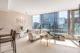 """Photo 3: 2706 1077 W CORDOVA Street in Vancouver: Coal Harbour Condo for sale in """"SHAW TOWER"""" (Vancouver West)  : MLS®# R2173545"""