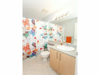 """Photo 14: 15 19250 65TH Avenue in Surrey: Clayton Townhouse for sale in """"Sunberry Court"""" (Cloverdale)  : MLS®# F1416410"""